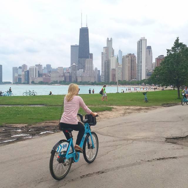 Rent Divvy Bikes Lakeshore Trail Chicago