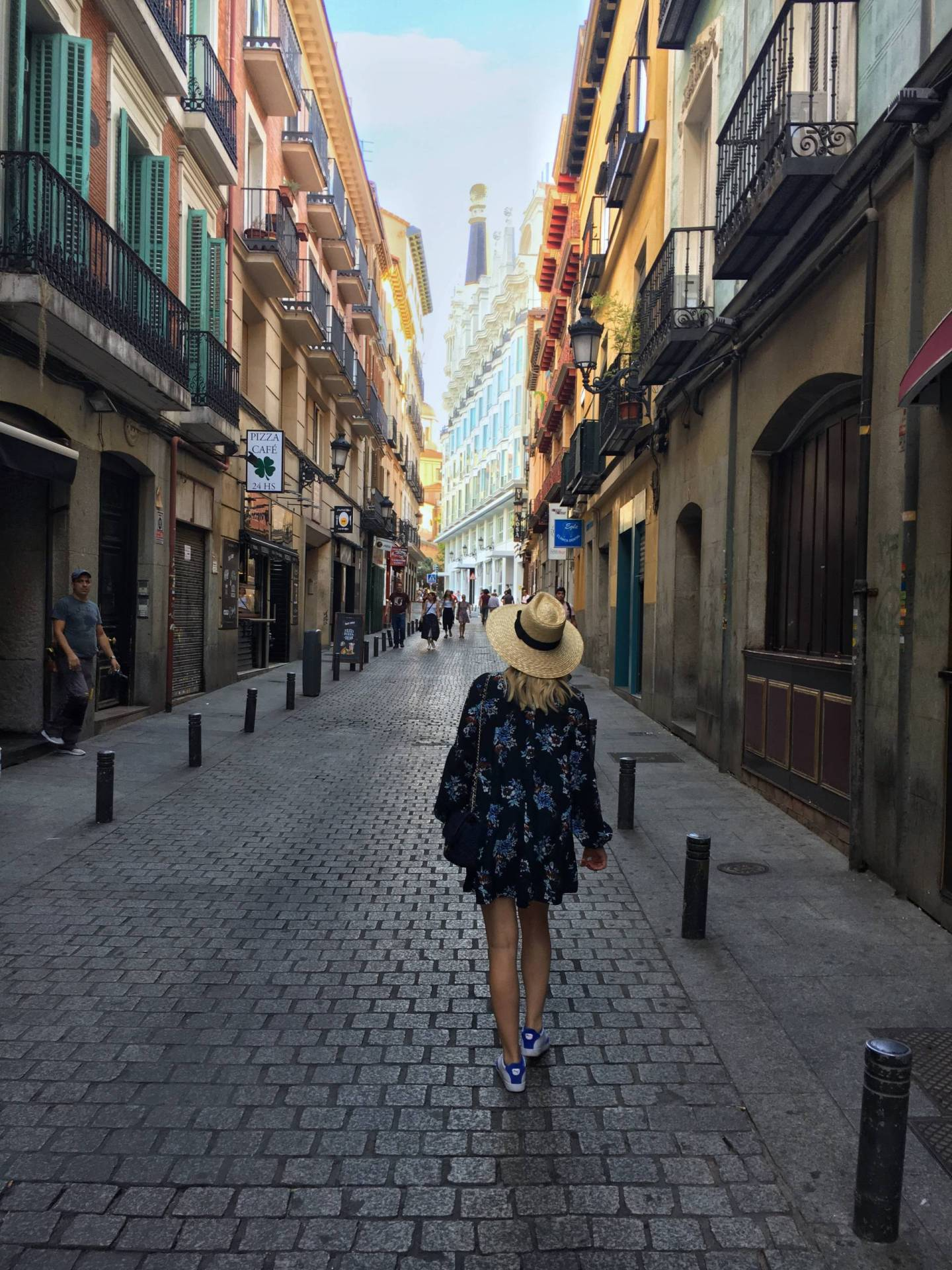 How to Travel When You Don't Have a Flexible Work Schedule