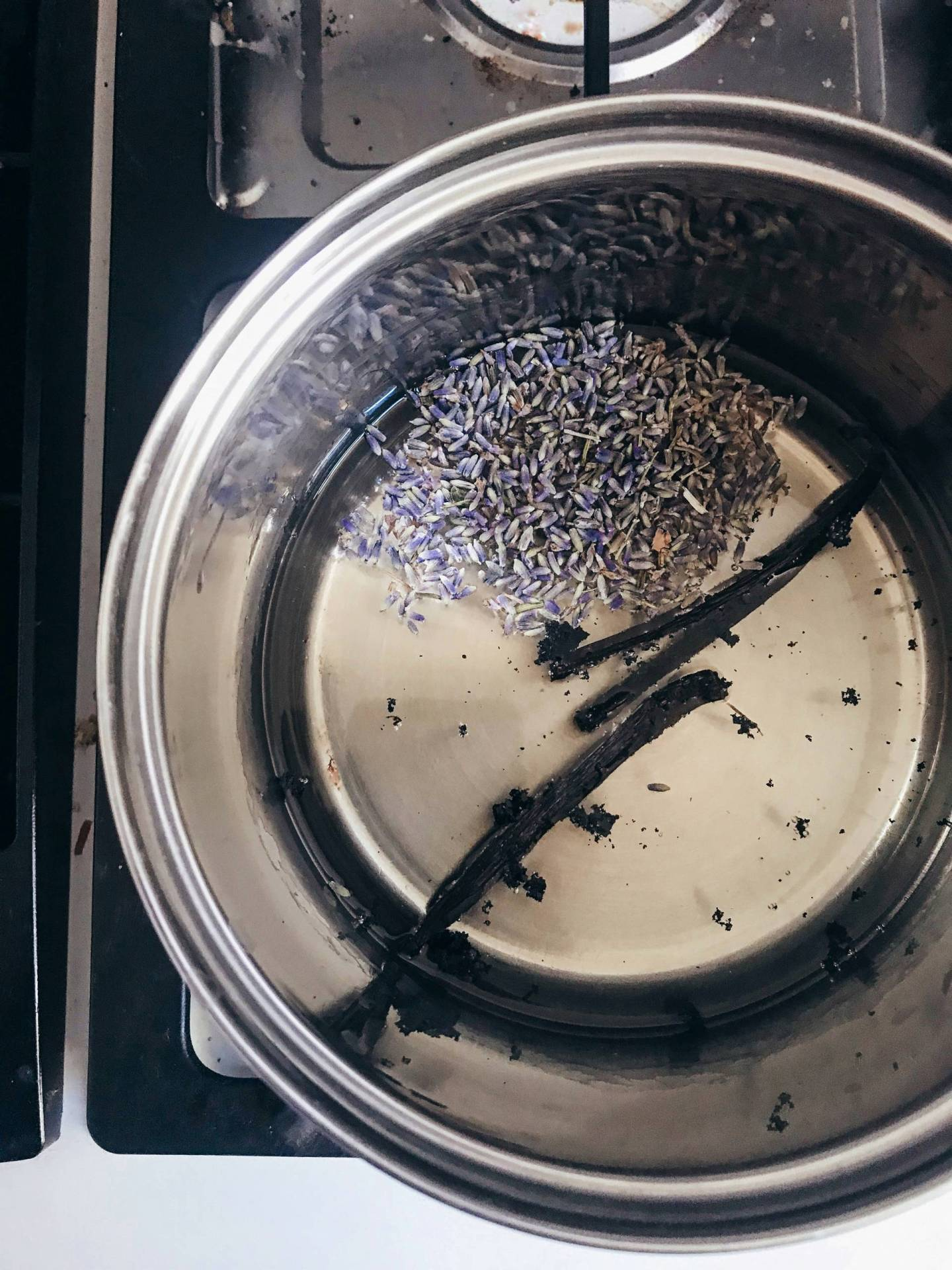 How to Make Your Own Lavender Vanilla Simple Syrup at Home for Lattes, Iced Coffees, and Cocktails!