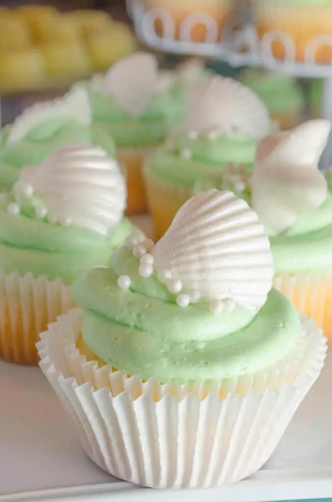 Coconut-Dream-CupcakesCloseUp