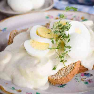 Classic Creamed Eggs on Toast
