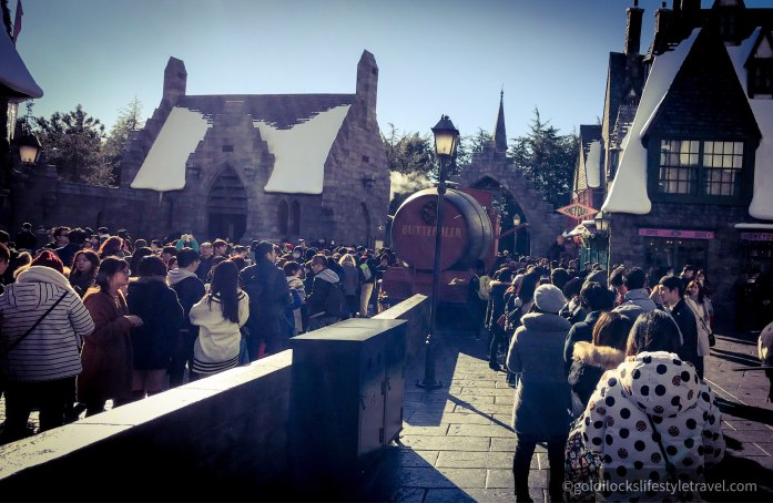 The long queues for Butterbeer in Wizarding World of Harry Potter, Universal Studios Japan