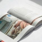 Openliggend boek Bevrijdingslaan XL ontwerp met kortere pagina