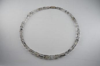 Bergkristallkette mit schwarzen Turmalinnadeln 390 €