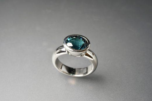 Ring in 950er Platin mit Turmalin Atlanticblue