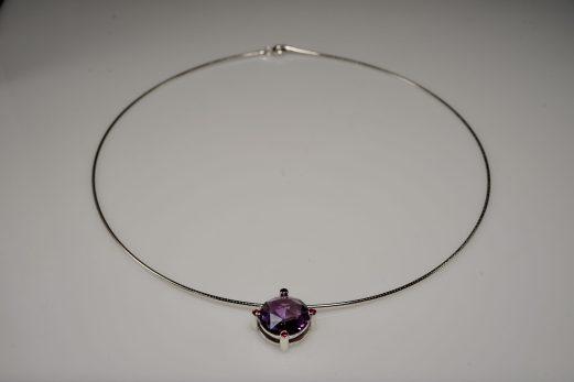 Kette mit Amethyst-Double-Dome und Rubinen in 925er Silber