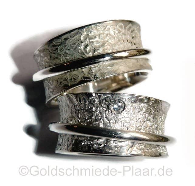 Rollringe als Partnerringe in Silber mit Brillant  Handarbeit