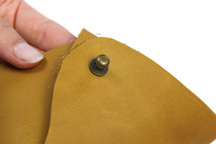 DIY Gürtel-Täschchen aus Leder ohne Nähen