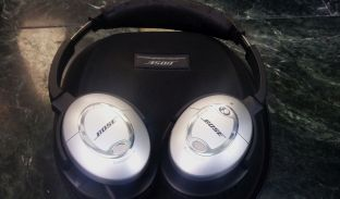 bose-headphones-