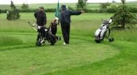 Wyjątkowo paskudna pogoda towarzyszyła czerwcowemu turniejowi Olszewka Cup 2009. Silny wiatr i uporczywa mżawka to jednak za mało, by odstraszyć golfistów i na starcie stanęło 20 osób.