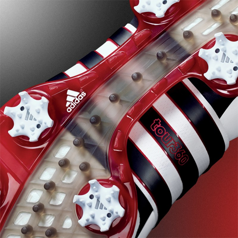 10-cleat dual-density outsole.