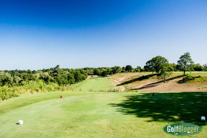 The first hole at Belvedere is a 370 yard downhill par 4.