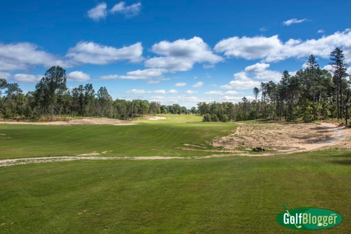 The Eighteenth at the loop looking toward the first tee.