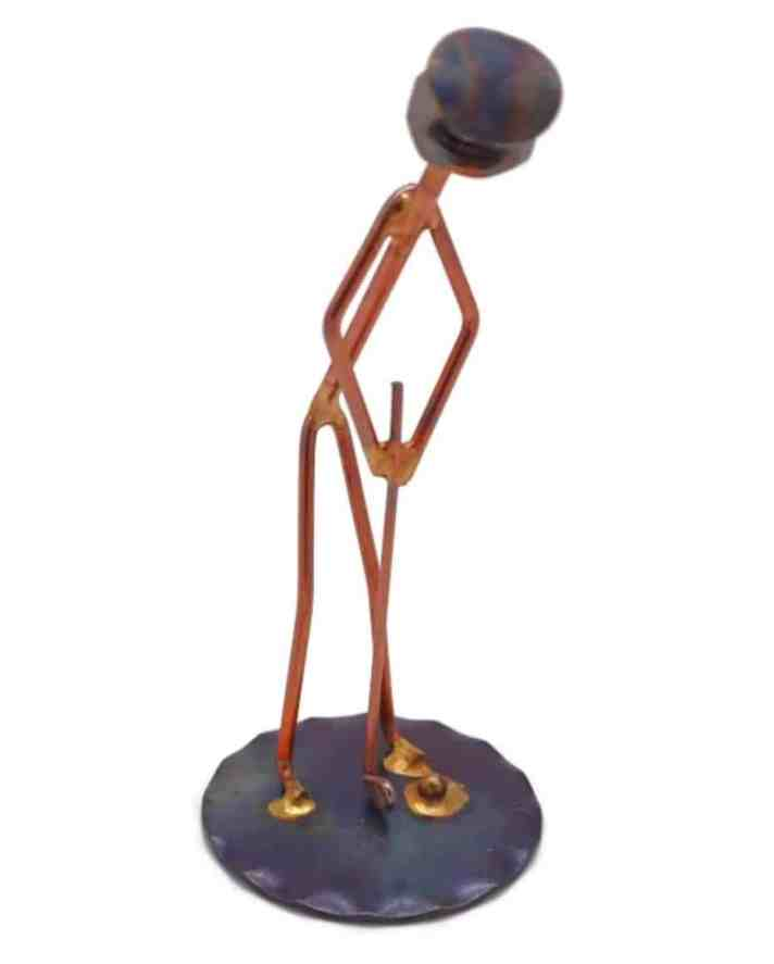 This Putting Golfer Wire Statue is the Ridiculous Golf Item of the Week