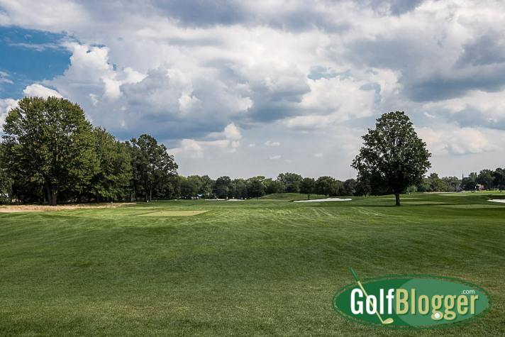 Four at Oakland Hills South is a 482 yard par 4. From the white tees, it's 411 yards.
