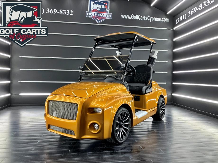 2020 Electric EZGo Custom Breeze Body Luxury