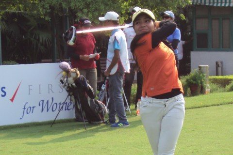 siddhi-kapoor golf