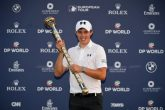 Matthew Fitzpatrick of England with the DP World Tour Championship