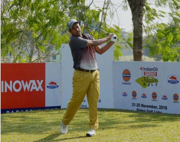 Shamim Khan leads IndianOil Servo Masters with four shots lead