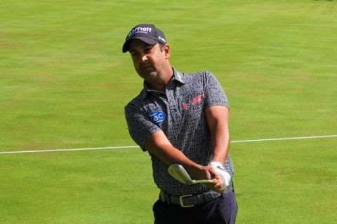 Shiv Kapur plays the New Zealand Open