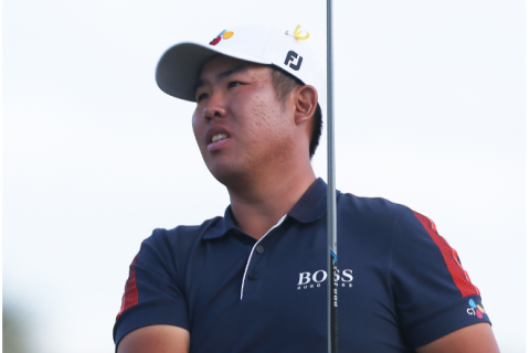 Byeong-Hun An of South Korea watches his tee shot on the 16th hole during the final round of the Honda Classic at PGA National Resort and Spa Champion course on March 01, 2020 in Palm Beach Gardens, Florida. (Photo by Matt Sullivan/Getty Images)