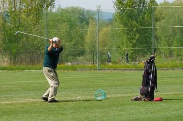 【ゴルフ教えて!】スイング中に左足が動くのは良くない?