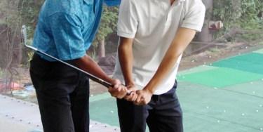 ゴルフのインパクトで、左肩を開かない打ち方をマスターする