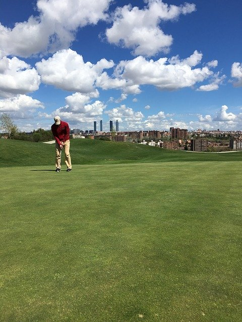 Knowing How To Play Golf With These Informative Tips