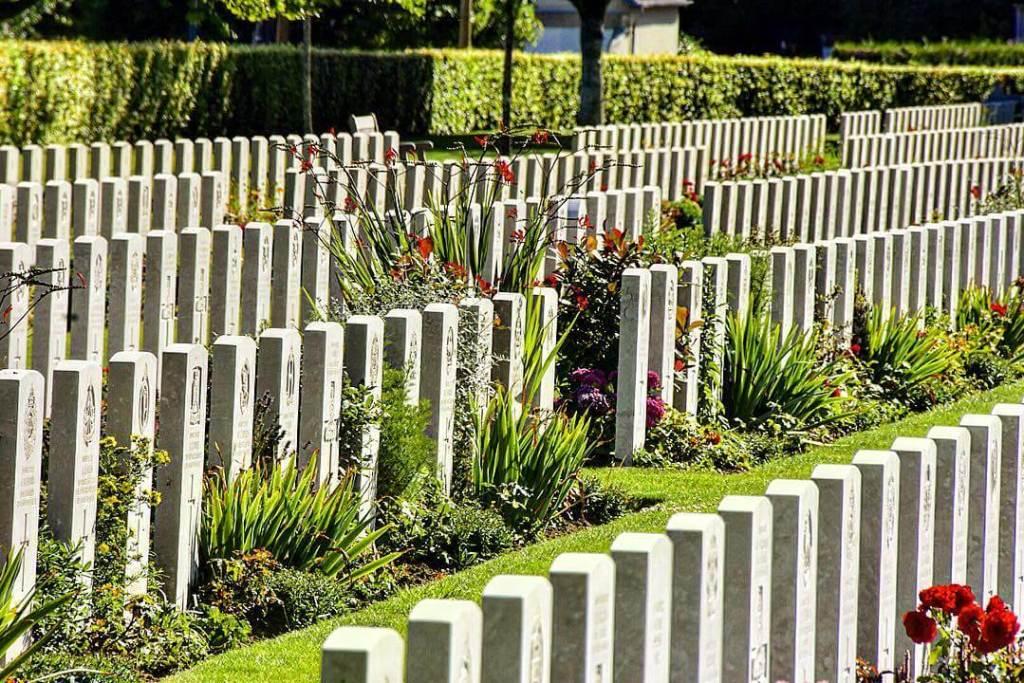 bayeux-war-cemetery