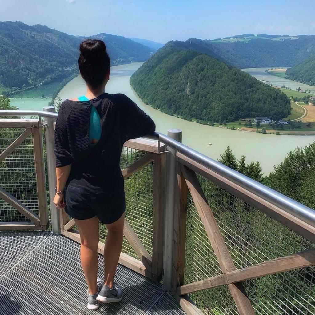 river-cruising-adventure-host-hike