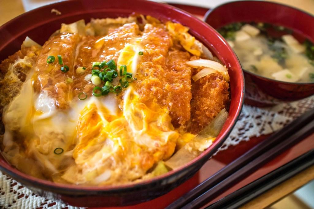 foods-try-japan-katsudon