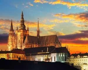 prague-castle-top-site