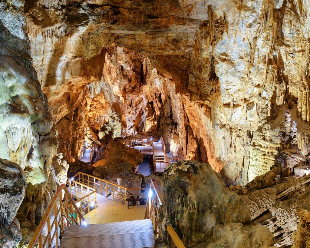phong-nha-ka-bang-national-park-vietnam-tour