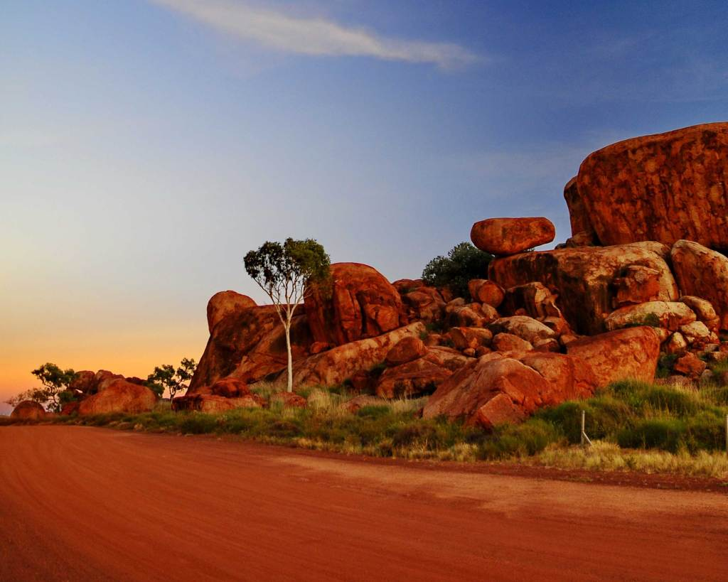 devils-marbles-red-centre-adventure