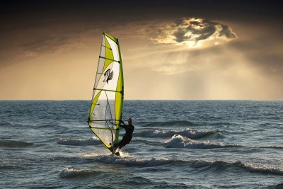 Go Windsurfing - Go Live Real Life