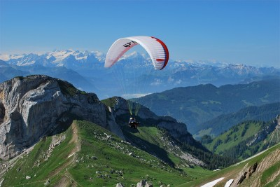 Quite the ride in the Swiss Alps - go  paragliding