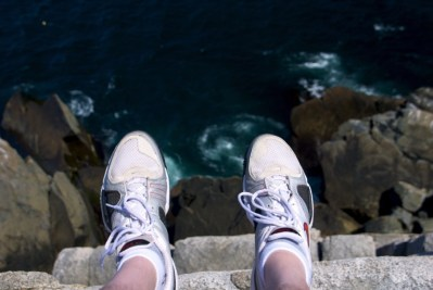 Look Ma – My feet are hanging over