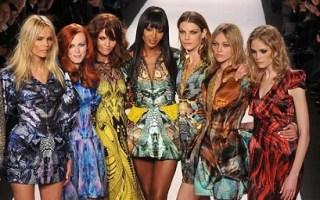 Tribute in 'Manta' dresses
