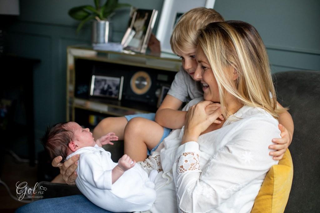lifestyle newborn photoshoot during covid-19 pandemic