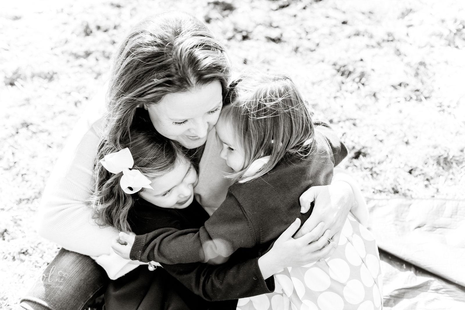 mum and girls autum family photoshoot in richmond