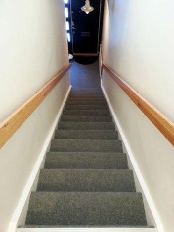 Nålfilt i trapp och hall Rock 070