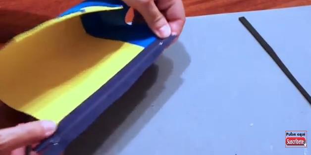 Cartuchera de Minions con goma eva 9