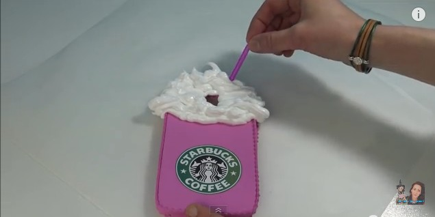 funda-de-movil-de-starbucks-en-goma-eva-14