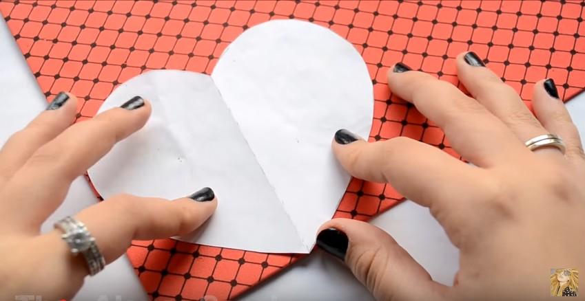 Caja de goma eva en forma de corazon para San Valentin 3