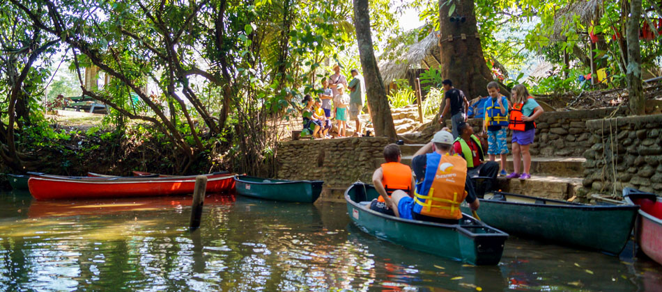 Barton-Creek-Belize-Canoeing