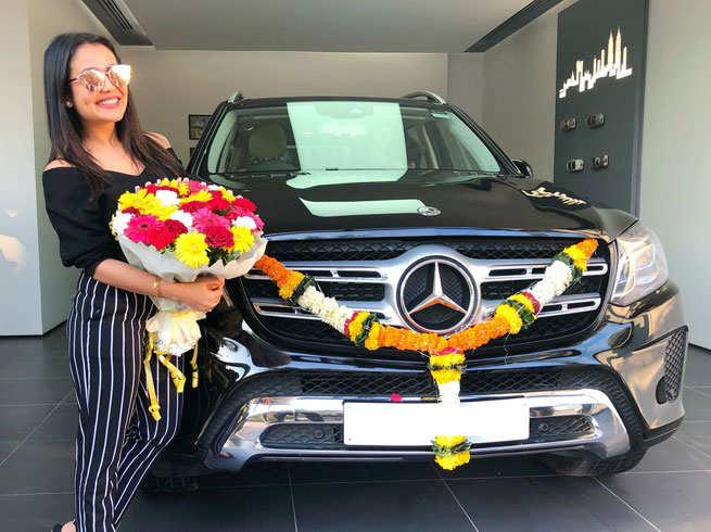 Mercedes Benz GLS 350 | Neha Kakkar cars