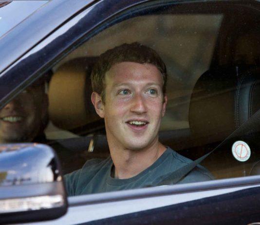 Billionaire CEOs and thier cars - Mark Zuckerberg-01