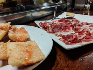 Spain Travel Guide | Go Messy or Go Hungry