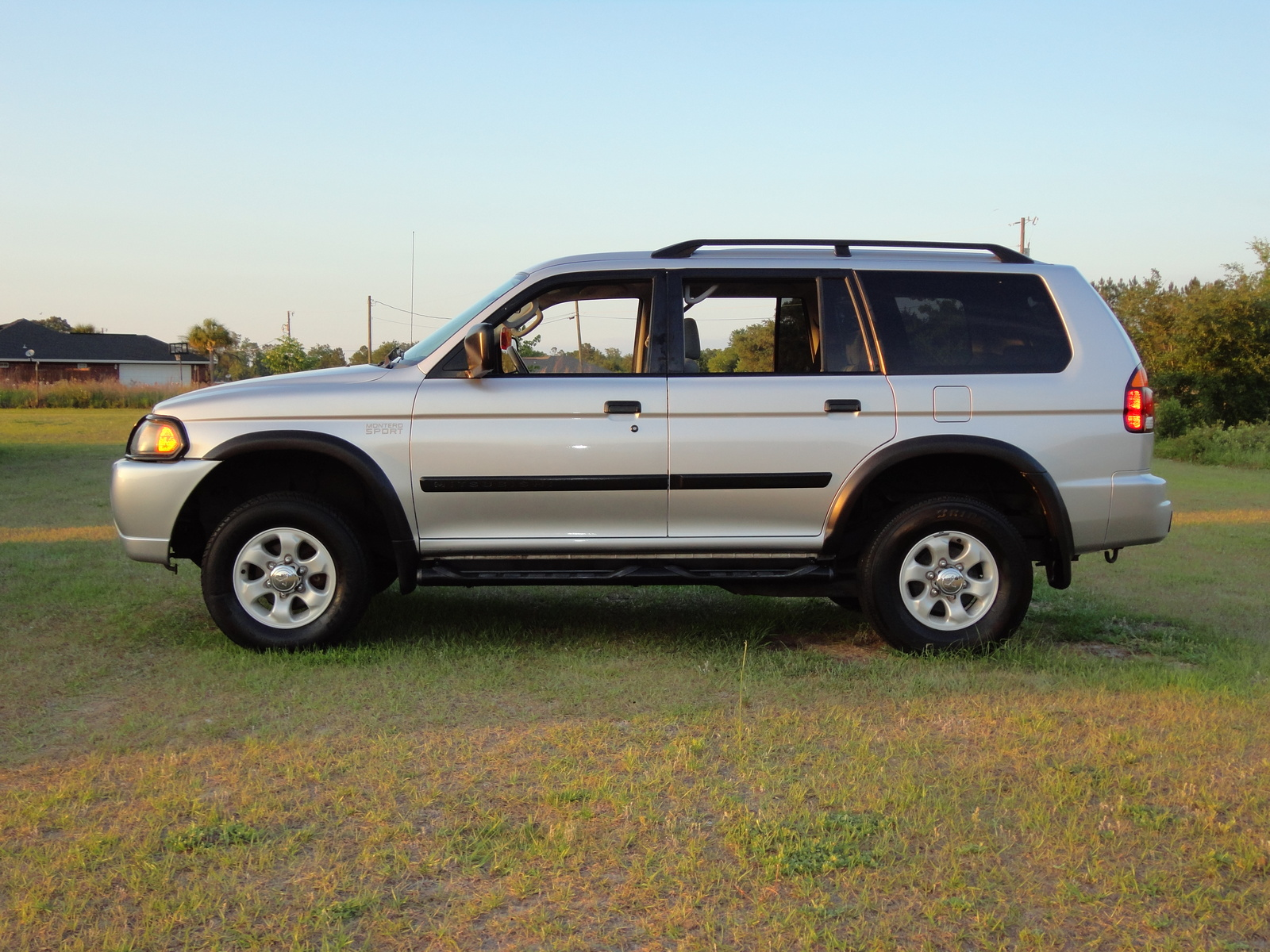 picture of 2003 mitsubishi montero sport es exterior_cce64?resize\=665%2C499 cce wiring diagram friendship bracelet diagrams, lighting cce switch box wiring diagram at fashall.co