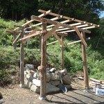 石窯土台に屋根をかける